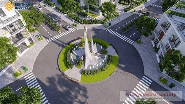 Quang-truong-Green-Sailing-Town-duc-hoa