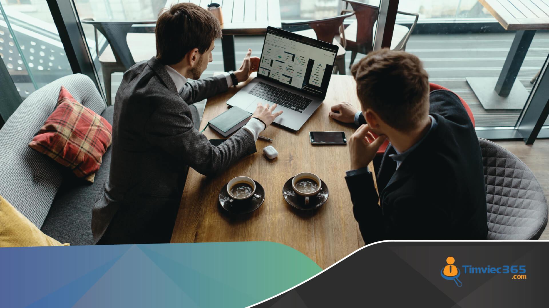 Kinh nghiệm quản lý chiến lược và nhân sự