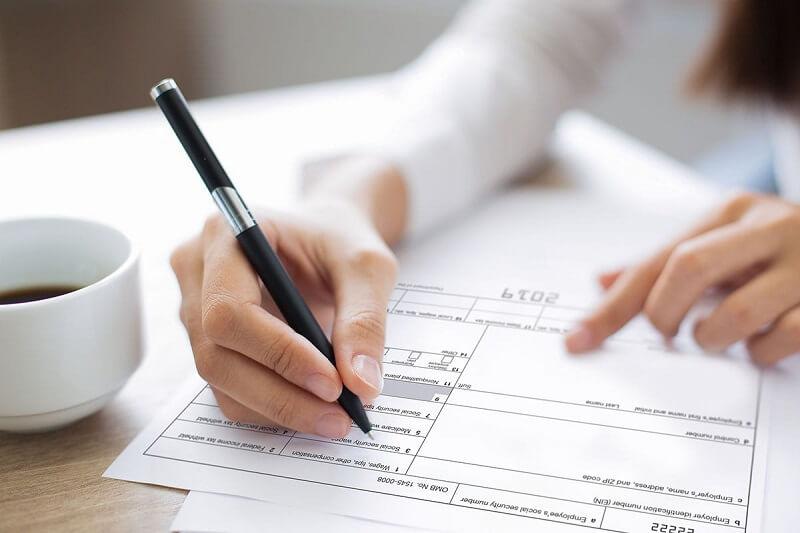 Hướng dẫn chi tiết viết mẫu đơn xin nghỉ việc để điều trị bệnh