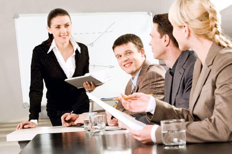 Công việc mà một nhà quản lý kinh doanh cần thực hiện bao gồm những gì?